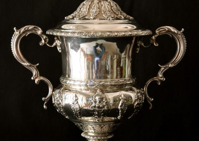 A Sterling silver lidded presentstion cup. London 1903 H. 34cm.
