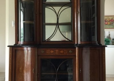 A fine quality inlaid Edwardian mahogany cabinet.